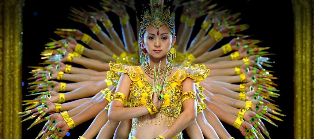 Samsara je dokumentární film bez zvuku o lidské kultuře plný kontrastů
